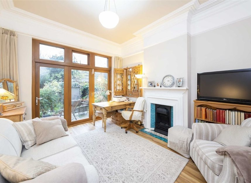 Properties sold in Woodgrange Avenue - W5 3NY view12