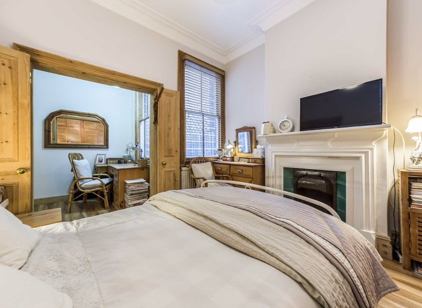 Properties sold in Woodgrange Avenue - W5 3NY view5
