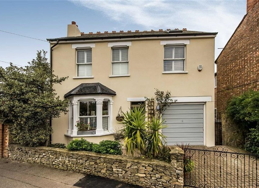 Properties for sale in Worple Road - TW7 7AP view1