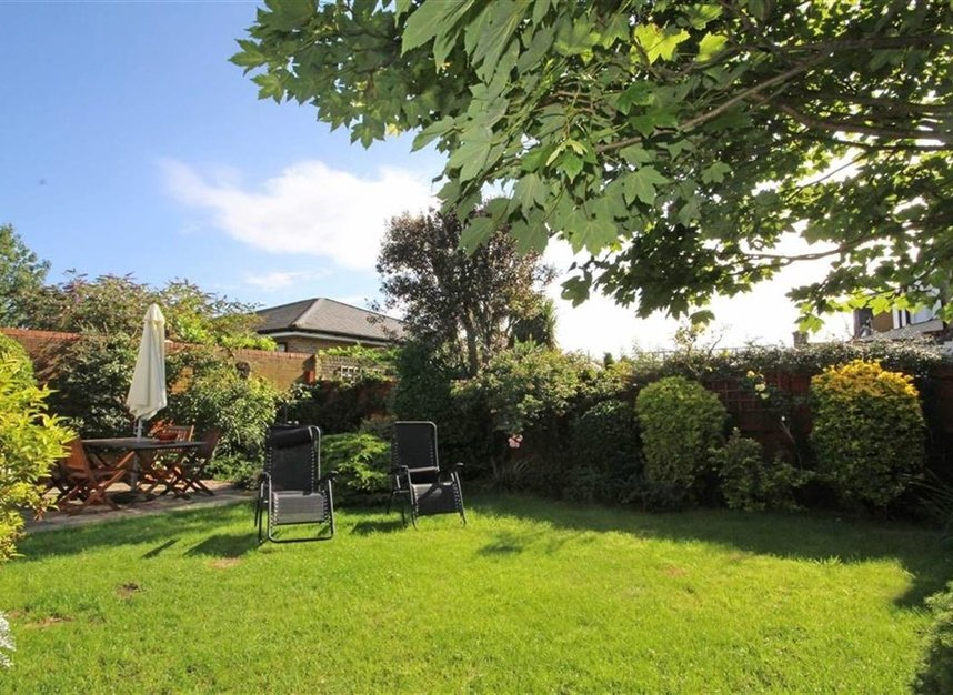 Properties for sale in Worple Road - TW7 7AP view10