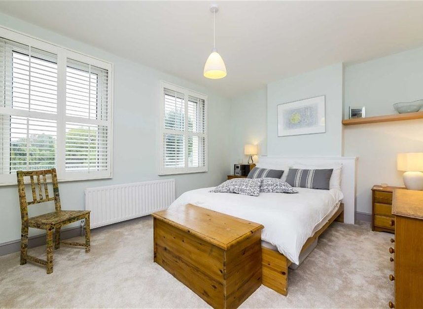 Properties for sale in Worple Road - TW7 7AP view6