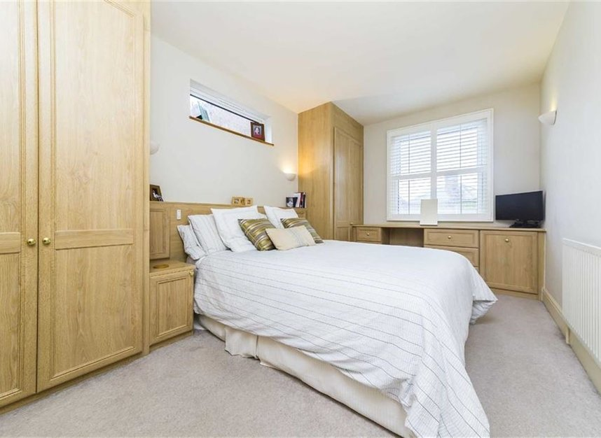Properties for sale in Worple Road - TW7 7AP view7