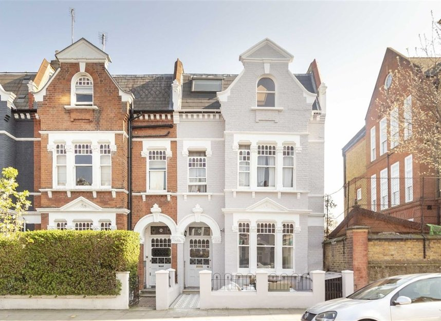Properties to let in Addison Gardens - W14 0DT view1