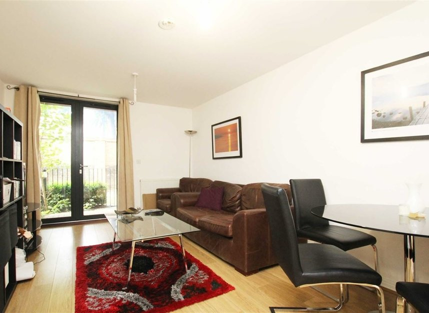 Properties to let in Annabel Close - E14 6DP view2