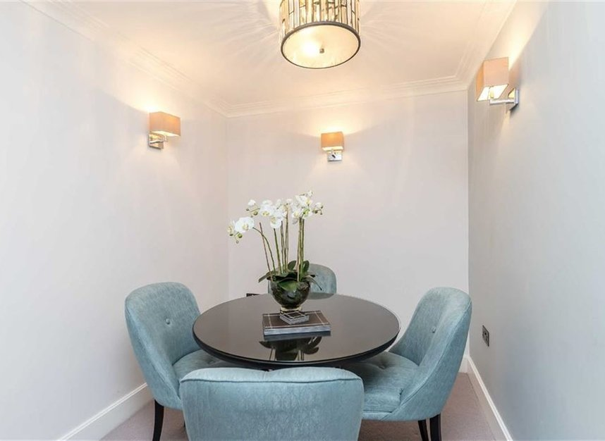 Properties to let in Arlington Street - SW1A 1RL view3