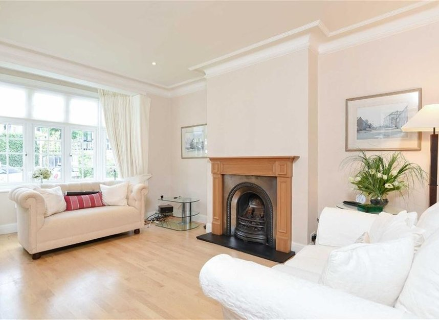 Properties let in Atwood Avenue - TW9 4HF view2
