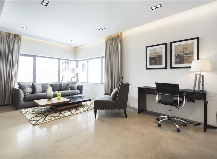 2 Bedrooms 2 Bathrooms short let flat to rent in Babmaes Street - SW1Y 6HD view2