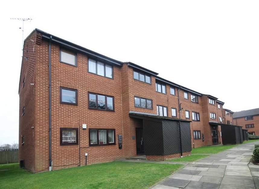 Properties to let in Beardsley Way - W3 7YQ view1
