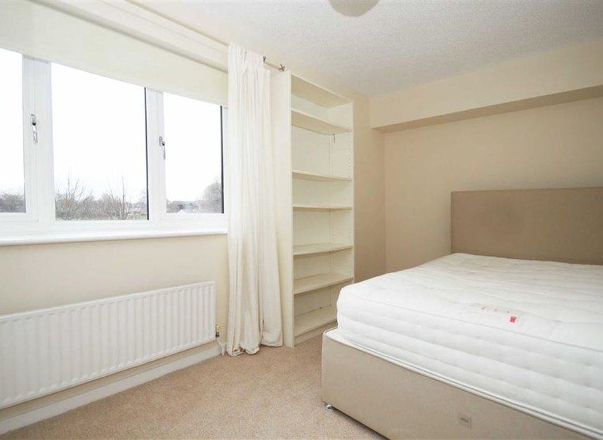 Properties to let in Beardsley Way - W3 7YQ view4