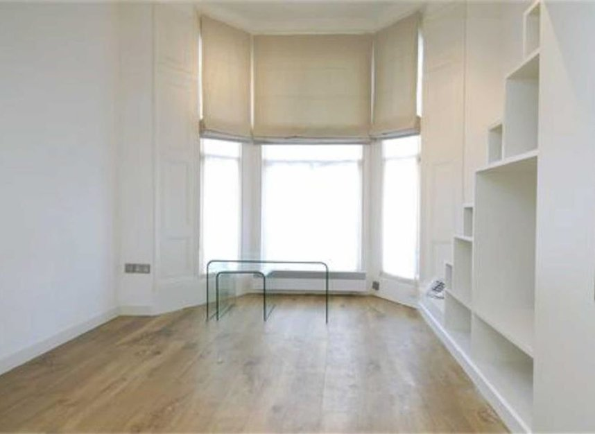 Properties to let in Blenheim Crescent - W11 1NY view2