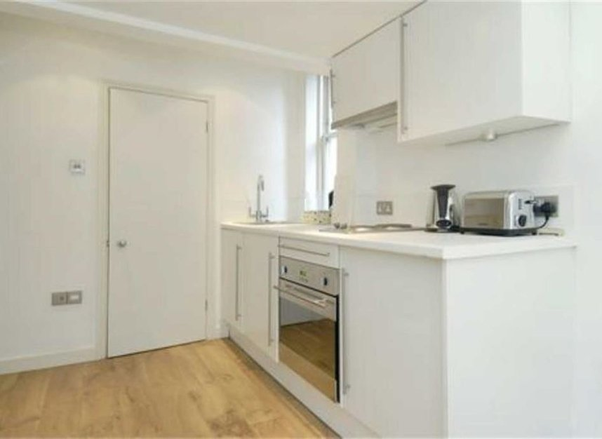 Properties to let in Blenheim Crescent - W11 1NY view3