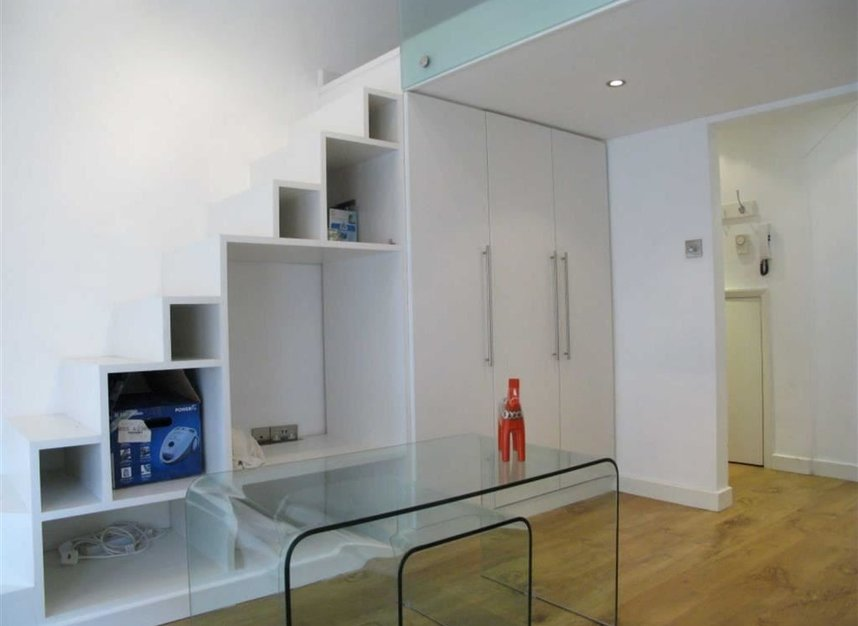 Properties to let in Blenheim Crescent - W11 1NY view5