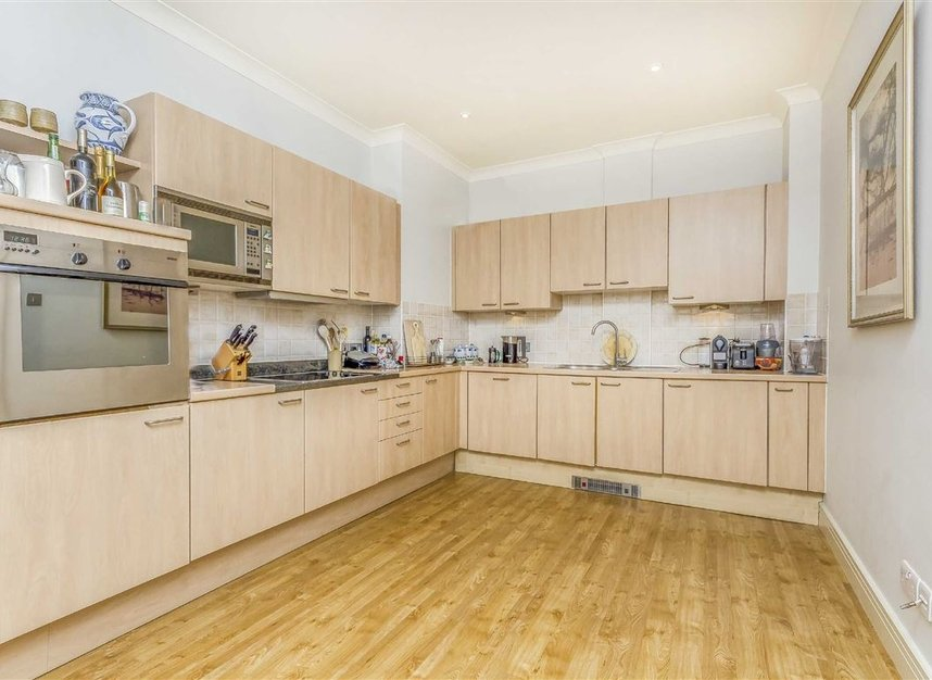 Properties to let in Brasenose Drive - SW13 8RB view6