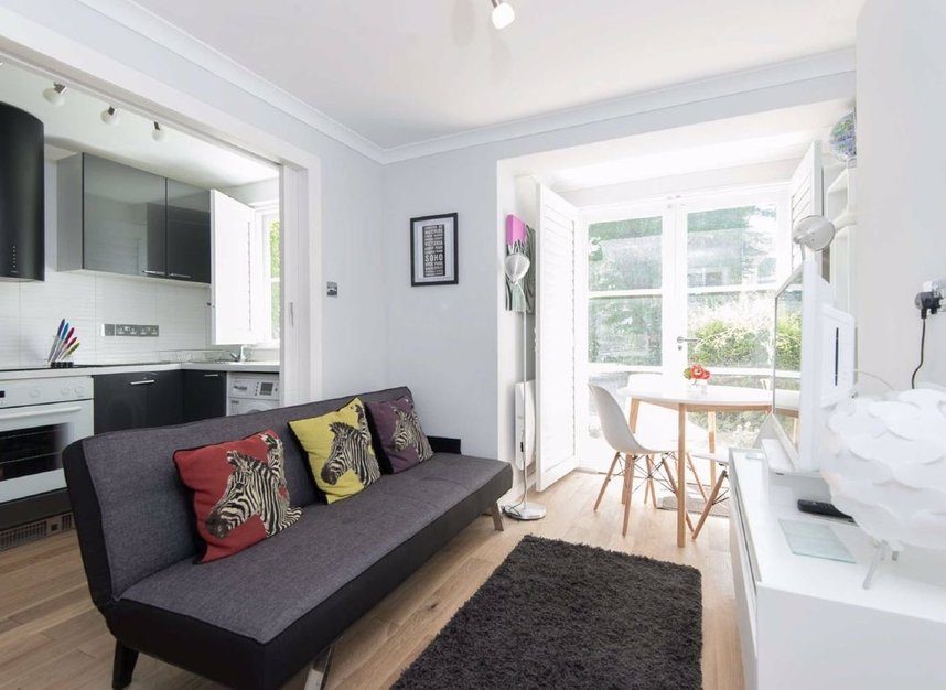 Properties to let in Brompton Park Crescent - SW6 1SP view2
