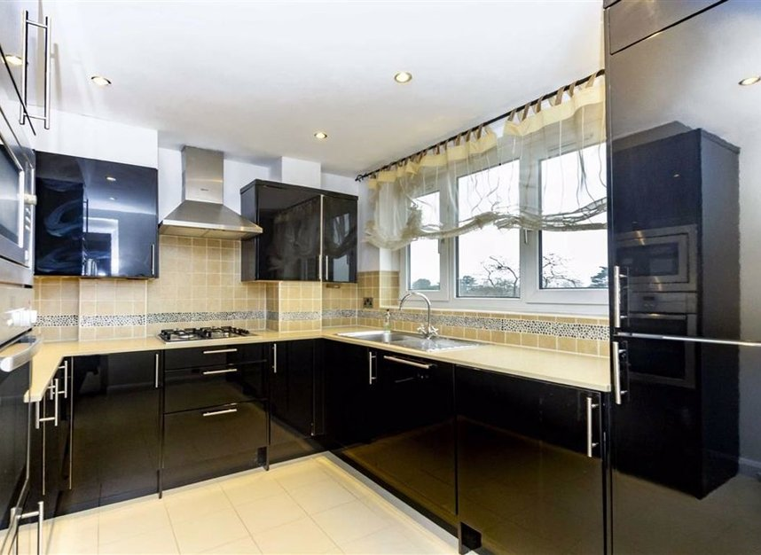 Properties let in Broom Park - TW11 9RT view4
