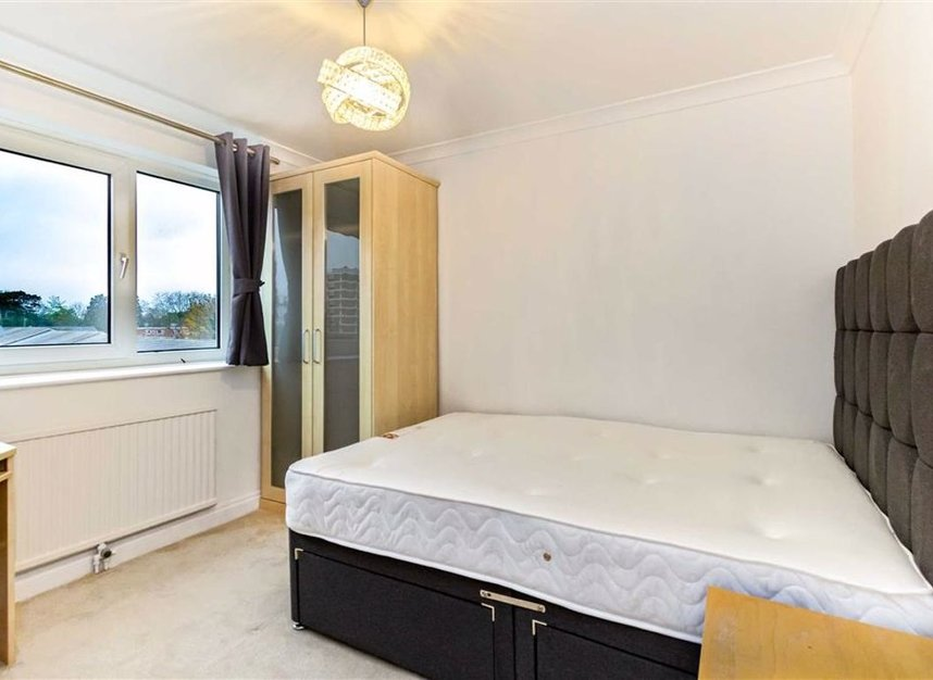 Properties let in Broom Park - TW11 9RT view7