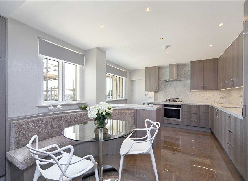 Properties to let in Cadogan Place - SW1X 9RZ view3