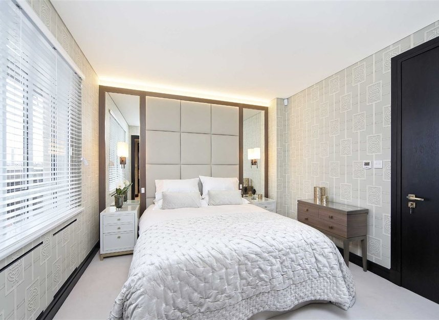 Properties to let in Cadogan Place - SW1X 9RZ view6