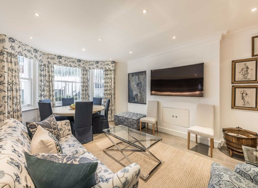 Properties to let in Cadogan Square - SW1X 0EA view5