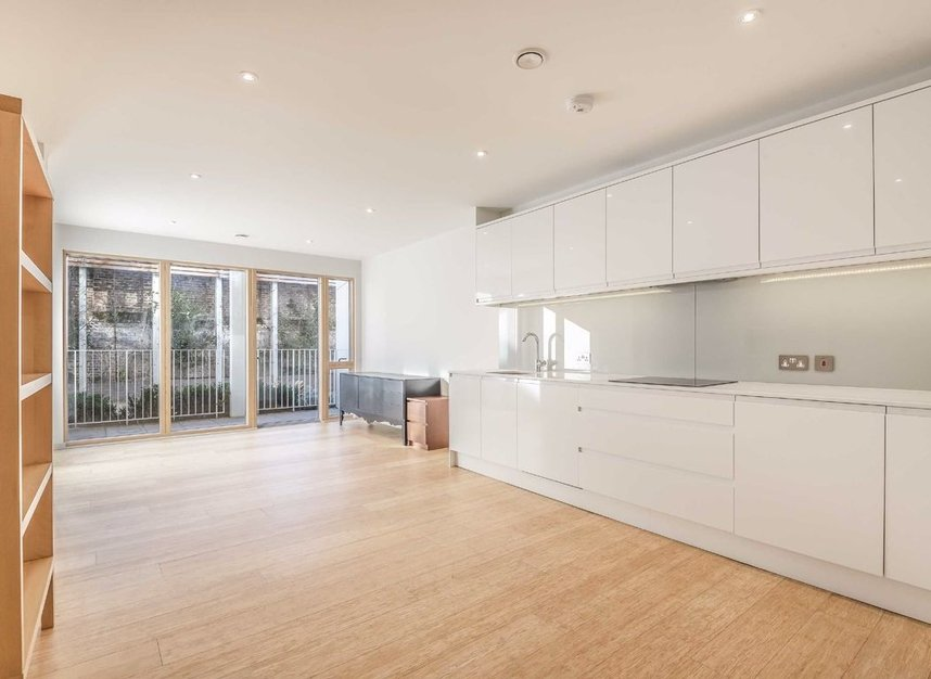 Properties to let in Caledonian Road - N1 1DN view2
