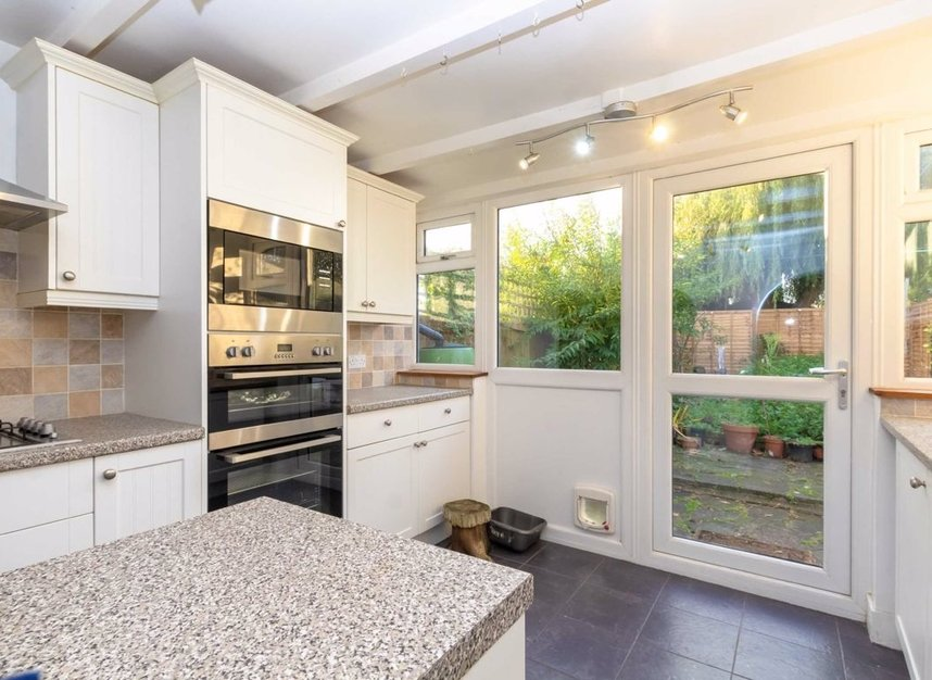 Properties to let in Cannon Hill Lane - SW20 9ET view2