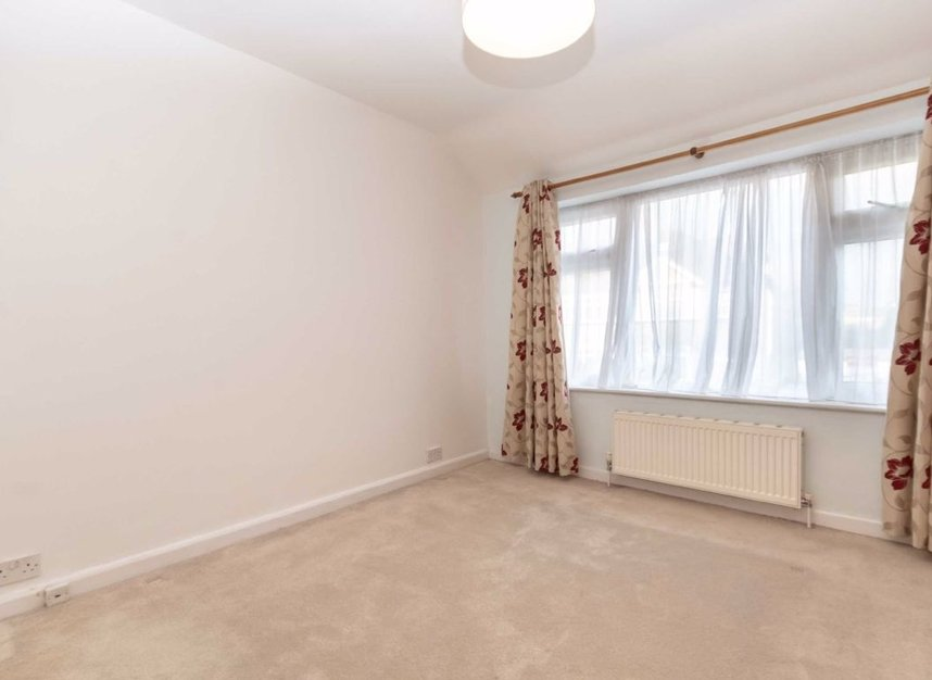 Properties to let in Cannon Hill Lane - SW20 9ET view5