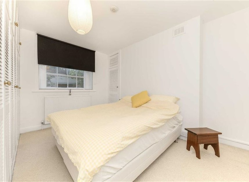 Properties to let in Canonbury Square - N1 2AU view5