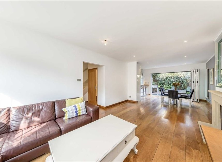 Properties to let in Caroline Place - W2 4AW view2