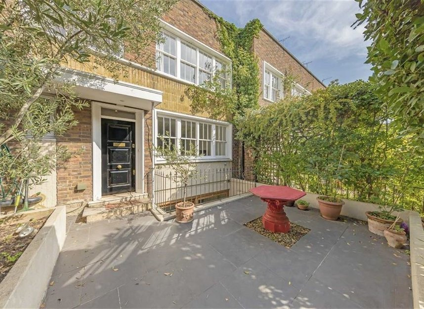 Properties to let in Caroline Place - W2 4AW view1