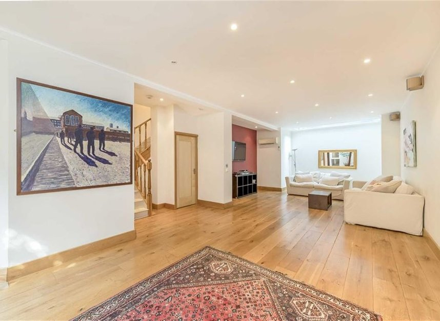 Properties to let in Caroline Place - W2 4AW view3