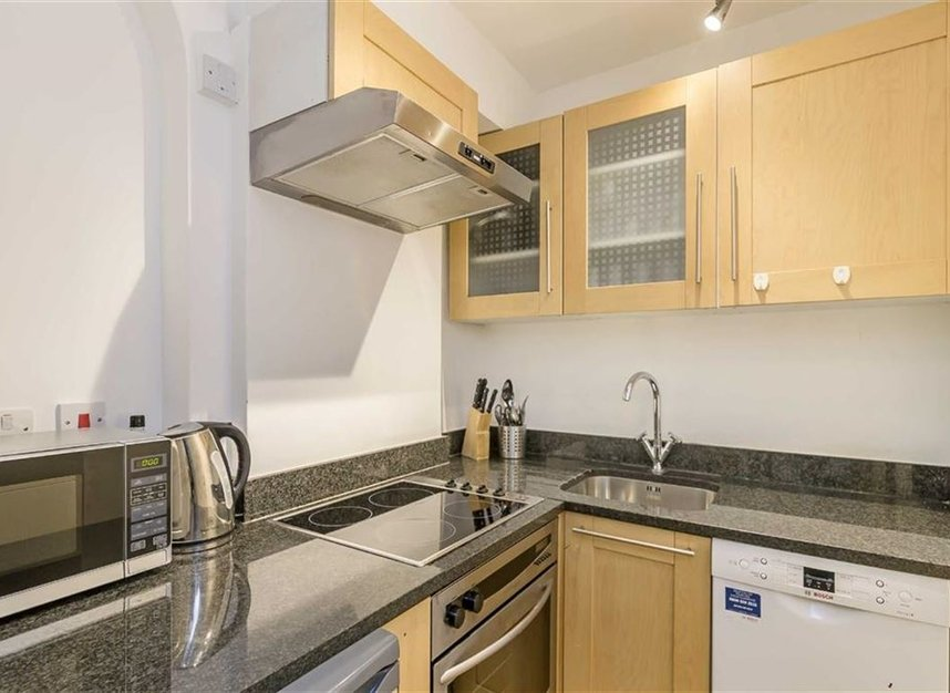 Properties to let in Carrington Street - W1J 7AF view3