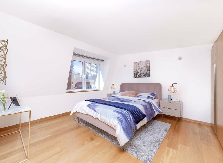 4 Bedrooms 3 Bathrooms short let house to rent in Cato Street - W1H 5JJ view6