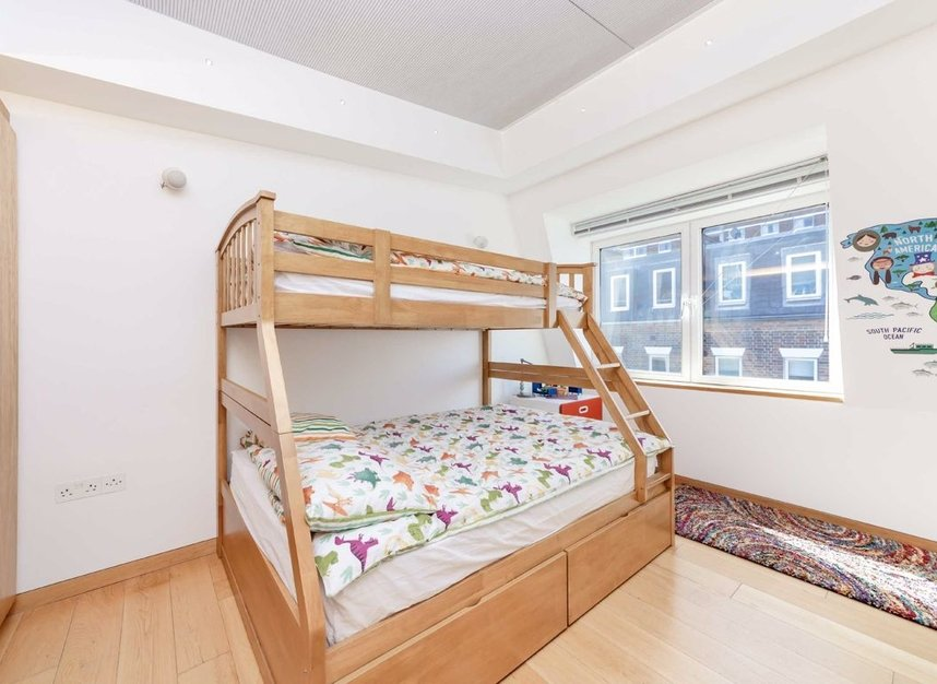 4 Bedrooms 3 Bathrooms short let house to rent in Cato Street - W1H 5JJ view8