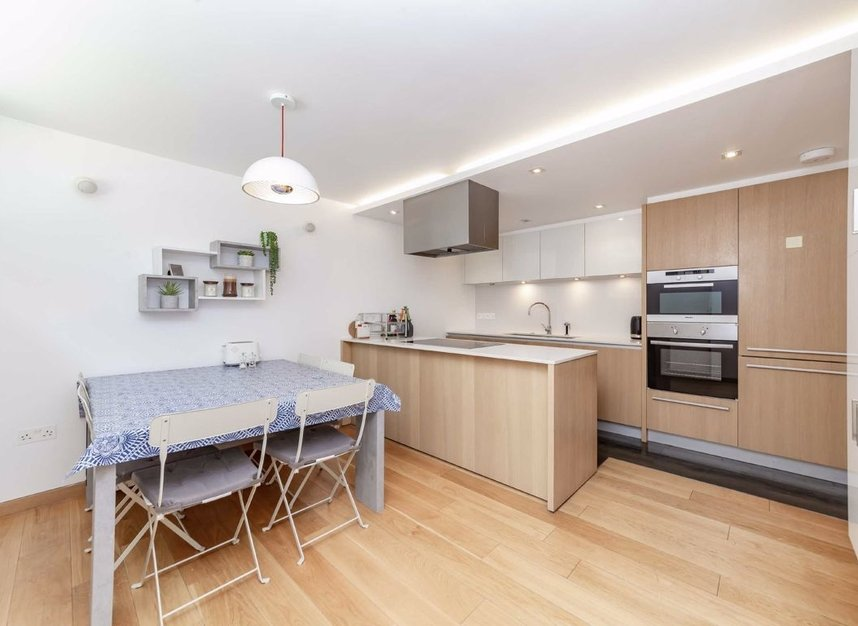 4 Bedrooms 3 Bathrooms short let house to rent in Cato Street - W1H 5JJ view9