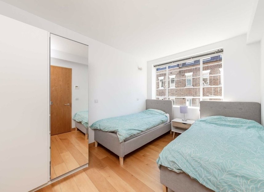 4 Bedrooms 3 Bathrooms short let house to rent in Cato Street - W1H 5JJ view7