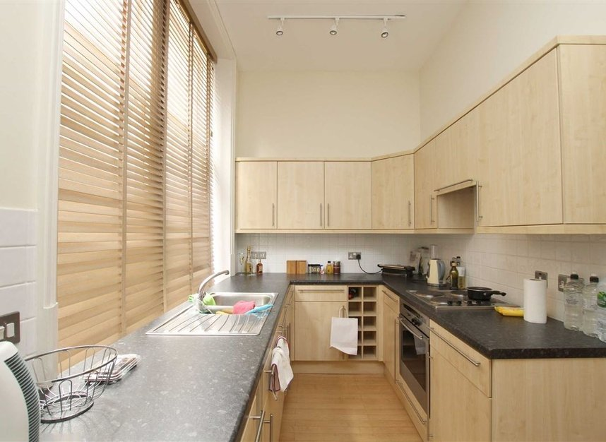 Properties to let in Charing Cross Road - WC2H 0DH view3