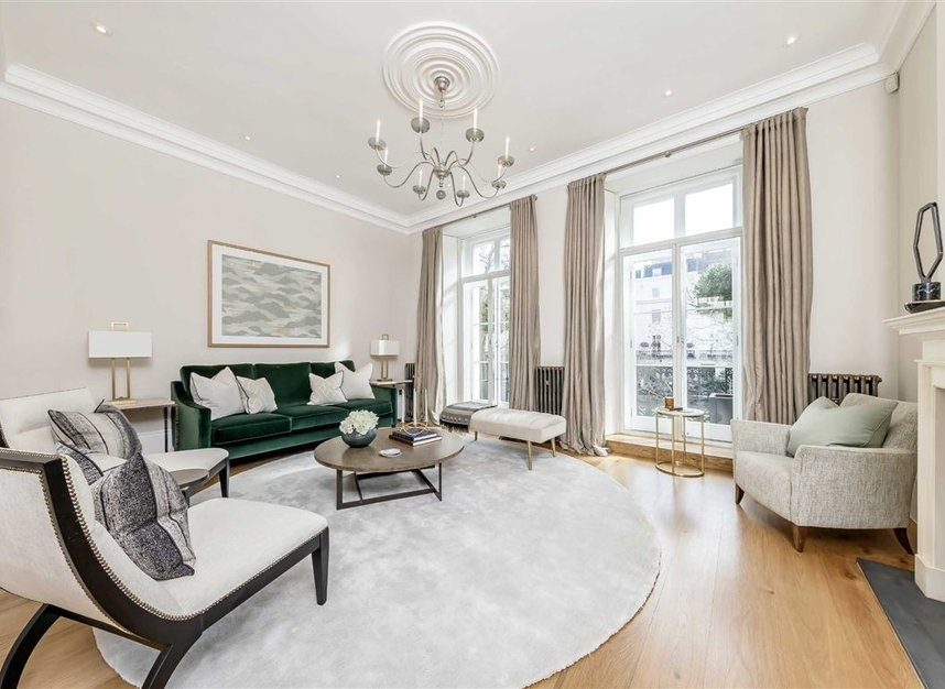 Properties to let in Chester Square - SW1W 9HH view3