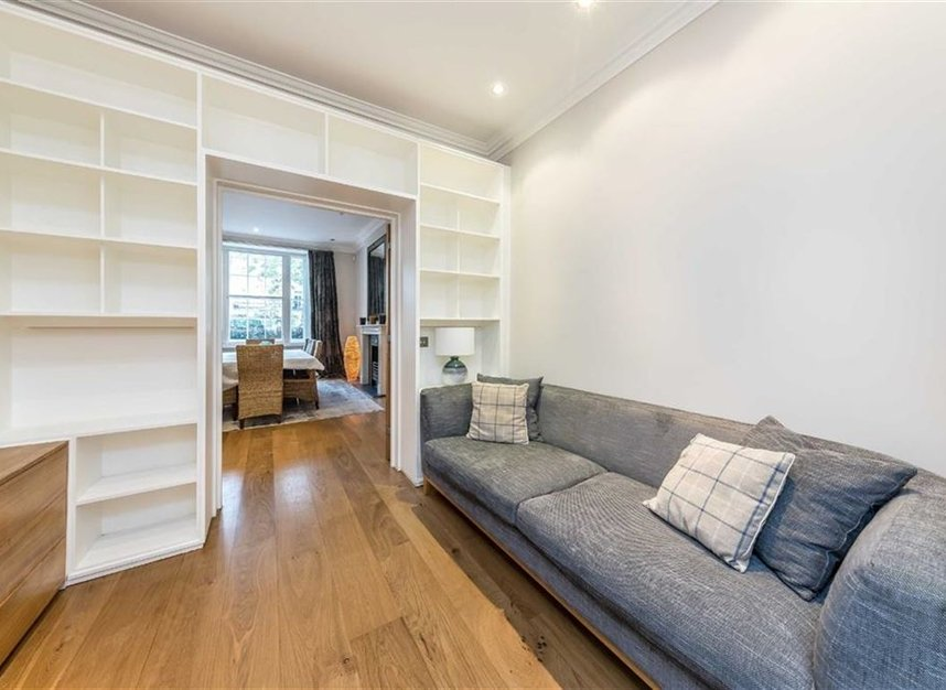Properties to let in Chester Square - SW1W 9HH view5