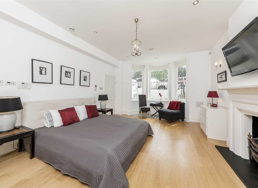 Properties to let in Cheyne Place - SW3 4HH view11