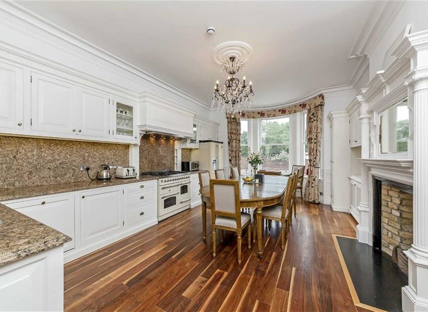 Properties to let in Cheyne Place - SW3 4HH view3