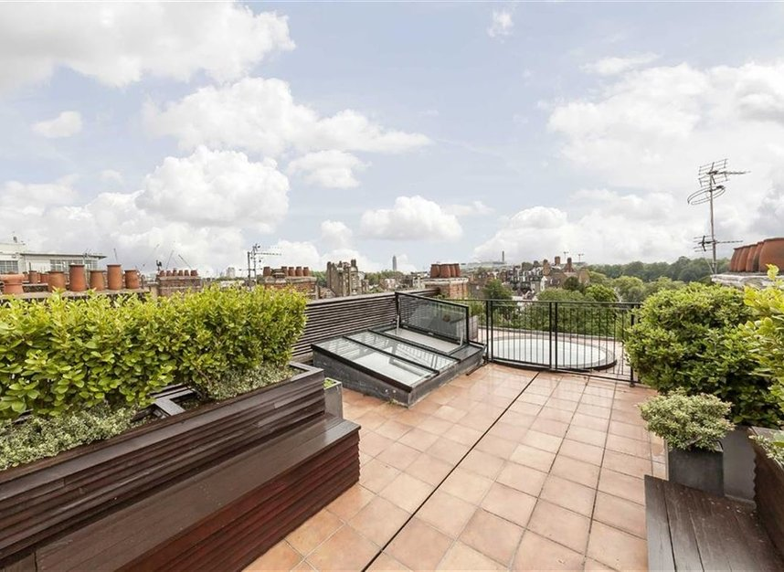 Properties to let in Cheyne Place - SW3 4HH view13