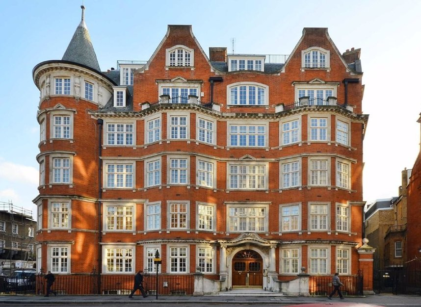 Properties to let in Cliveden Place - SW1W 8HE view1