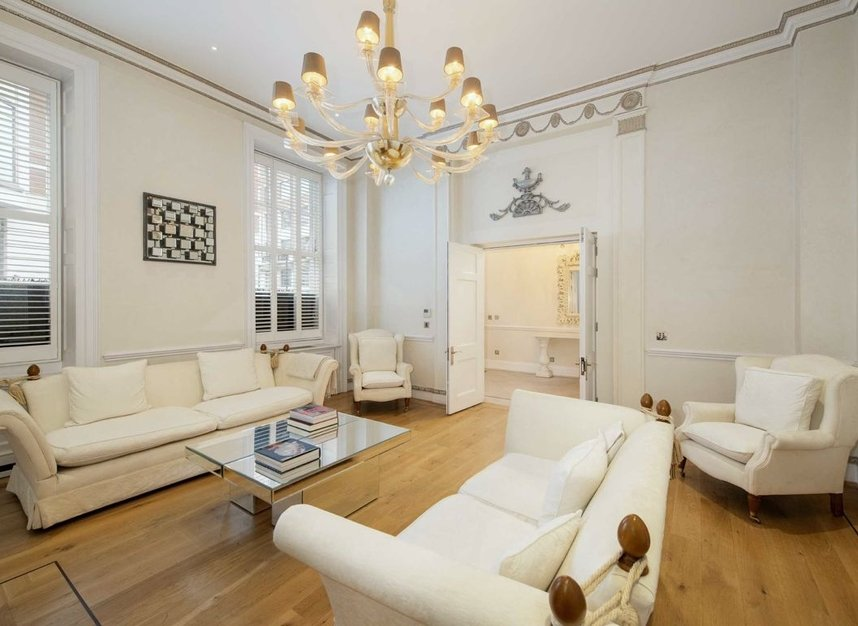 Properties to let in Curzon Street - W1J 7TA view3