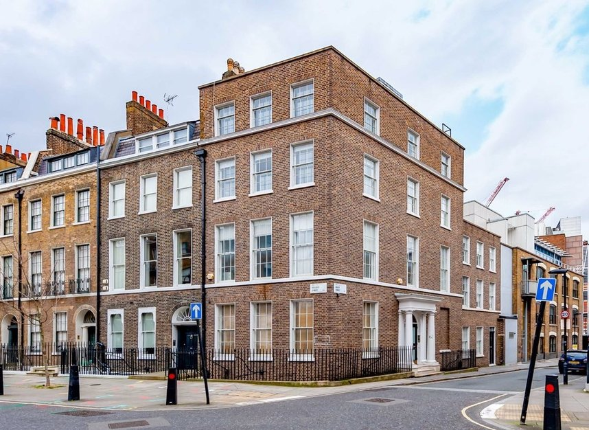 Properties to let in Doughty Street - WC1N 2JZ view1