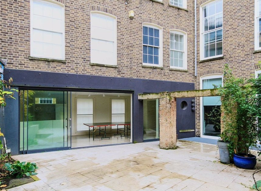 Properties to let in Doughty Street - WC1N 2JZ view2