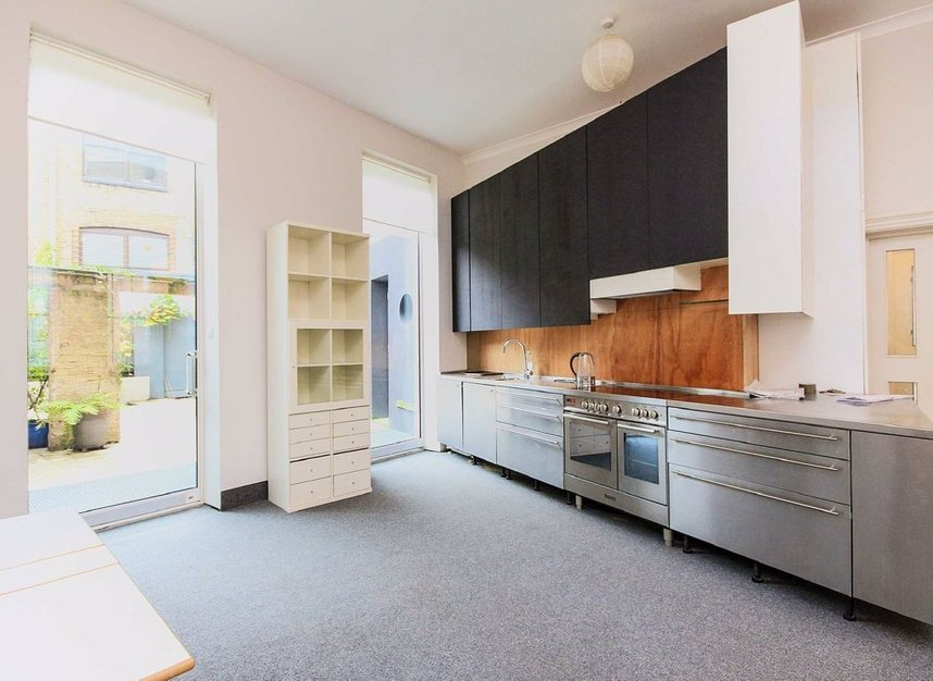 Properties to let in Doughty Street - WC1N 2JZ view5