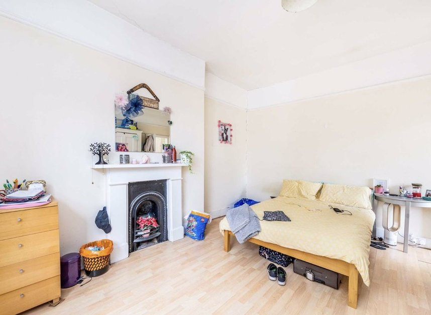 Properties let in Earls Court Road - SW5 9QF view8