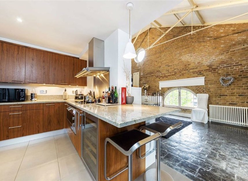 Properties to let in East Smithfield - E1W 1AT view2