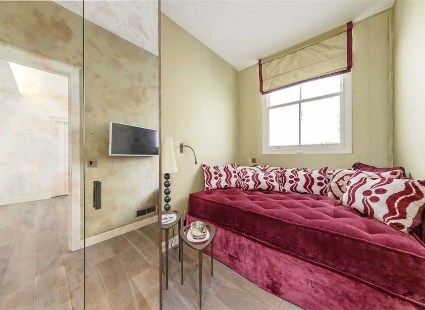 Properties to let in Eaton Mews South - SW1W 9HP view17