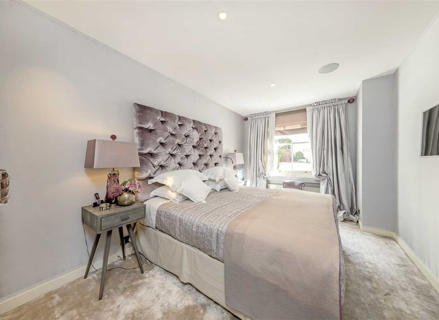 Properties to let in Eaton Mews South - SW1W 9HP view16